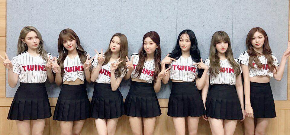 Tags: K-Pop, CLC (CrystaL Clear), Sorn, Jang Seungyeon, Choi Yujin, Jang Yeeun, Kwon Eunbin, Oh Seunghee, Elkie