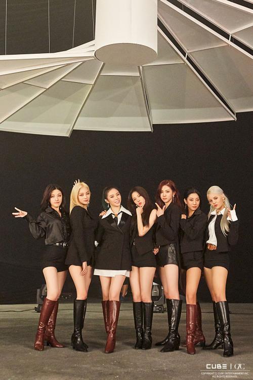 Tags: K-Pop, CLC (CrystaL Clear), Jang Yeeun, Kwon Eunbin, Oh Seunghee, Elkie, Sorn, Jang Seungyeon, Choi Yujin