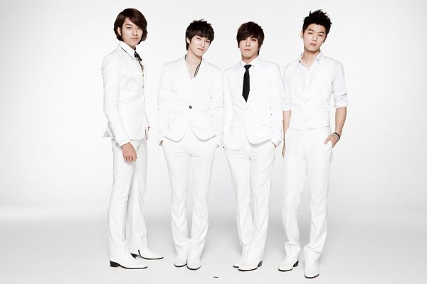 Tags: K-Pop, CNBLUE, Lee Jung-shin, Lee Jong-hyun, Jung Yong-hwa, Kang Min-hyuk, Boots, Shoes, Four Males, White Outerwear, Light Background, Necklace