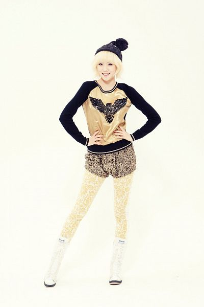 Tags: Hello Venus, Chae Joo-hwa, Boots, Yellow Background, Gold Shirt, Hand On Hip, Black Headwear, Shorts, White Footwear, Knee Boots, Black Shorts, Android/iPhone Wallpaper
