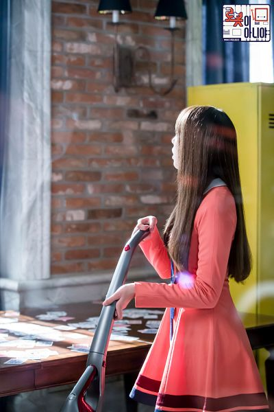 Tags: K-Drama, Chae Soo-bin, Pink Outfit, Pink Dress, Lockers, I'm Not a Robot
