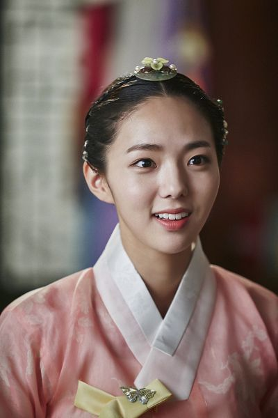 Tags: K-Drama, Chae Soo-bin, Traditional Clothes, Korean Clothes, Pink Shirt, Hanbok, Android/iPhone Wallpaper, Moonlight Drawn by Clouds