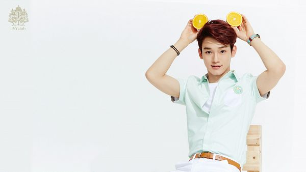 Tags: K-Pop, EXO, Chen, Short Sleeves, Fruits, Belt, Orange (Fruit), Light Background, Red Hair, White Pants, White Background, Green Shirt