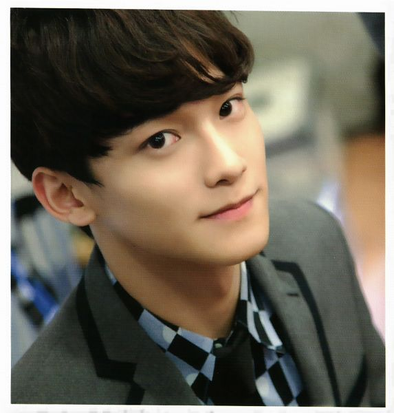 Tags: K-Pop, EXO, Chen, Looking Up, Checkered, Blue Shirt, Checkered Shirt, From Above, Gray Jacket