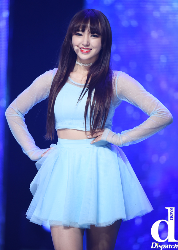 Tags: K-Pop, Cosmic Girls, Cheng Xiao, Hand On Hip, Dispatch, Live Performance