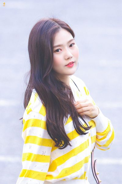 Tags: K-Pop, Oh My Girl, Choi Hyojung, Looking Away, Hand On Chest, Yellow Shirt, Striped Shirt, Striped