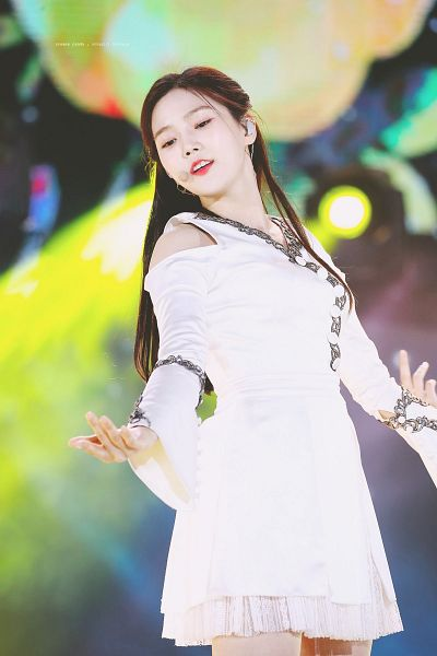Tags: K-Pop, Oh My Girl, Choi Hyojung, Buttons, Looking Down, White Outfit, Bare Shoulders, White Dress, Dancing