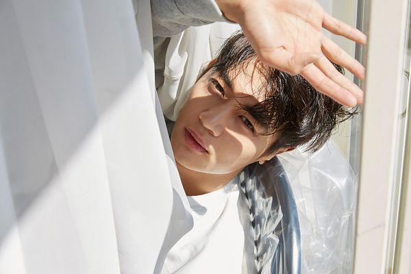 Tags: SM Town, K-Pop, SHINee, Choi Minho, White Outfit, Close Up, Nylon, Wallpaper