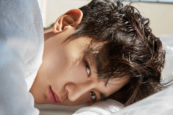 Tags: SM Town, K-Pop, SHINee, Choi Minho, Close Up, White Outfit, Wallpaper, Nylon