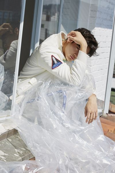 Tags: SM Town, K-Pop, SHINee, Choi Minho, Covering Eyes, White Outfit, Android/iPhone Wallpaper, Nylon