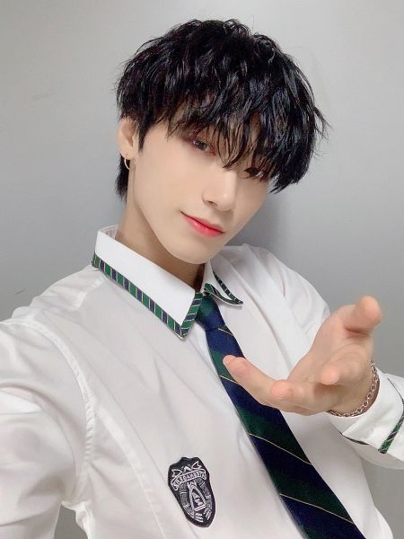 Tags: K-Pop, Ateez, Uniform, Tie, Choi San