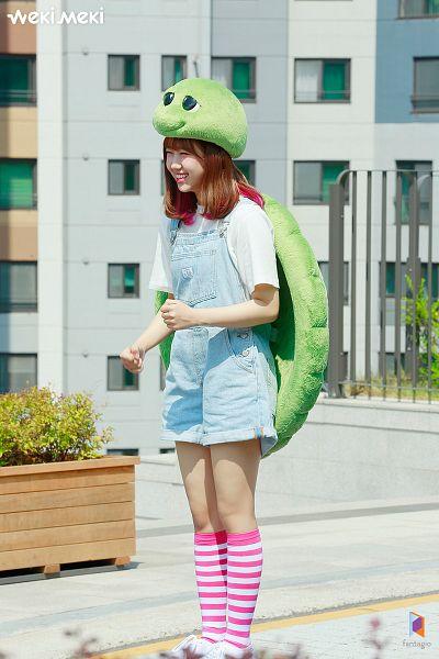 Choi Yoo-jung - Weki Meki