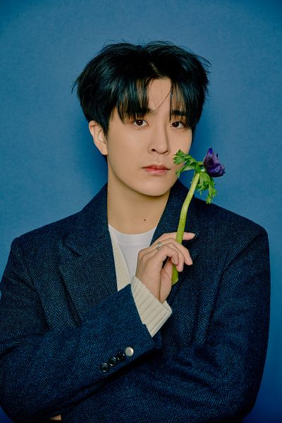 Tags: K-Pop, Got7, Choi Youngjae, Ring, Serious, Flower, Blue Background, Purple Flower, Blue Jacket, Blue Outerwear, Mole, Crossed Arms