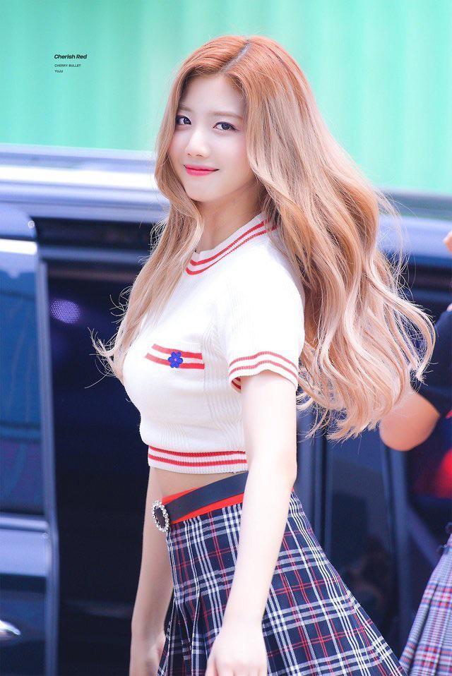 Tags: K-Pop, Cherry Bullet, Choi Yuju, Midriff, Plaided Skirt, Wavy Hair, Plaided Print, Belt, Blue Skirt, Crop Top, Skirt