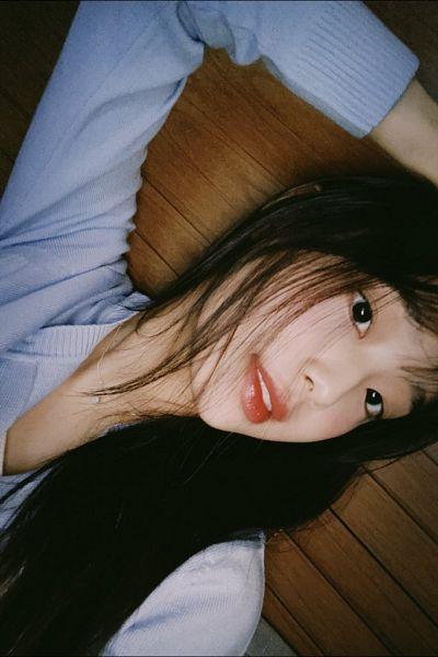 Tags: K-Pop, LOOΠΔ, Chuu