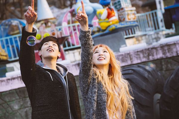 Tags: SM Town, K-Pop, Red Velvet, Wendy, Eric Nam, Gray Outerwear, Wavy Hair, Duo, Hoodie, Couple, Looking Up, Spring Love