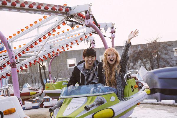 Tags: K-Pop, Red Velvet, Eric Nam, Wendy, Gray Jacket, Blunt Bangs, Amusement Park, Wavy Hair, Duo, Hoodie, Gray Outerwear, Arms Up