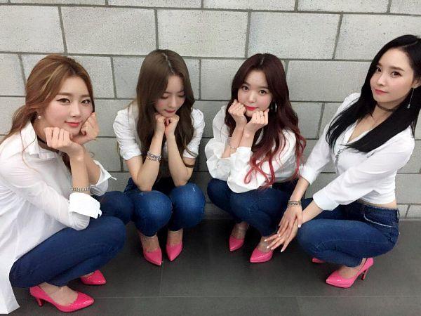 Tags: Happyface Entertainment, K-Pop, Dal Shabet, Bae Woo-hee, Ah Young, Serri, Park Subin, Four Girls, Backstage, Full Group, Quartet
