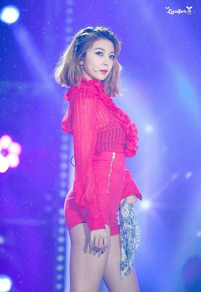 Tags: K-Pop, Dreamcatcher, Dami, Red Shorts, Red Shirt, Blue Eyes, Rain, Headdress, Water, Shorts, Bandana