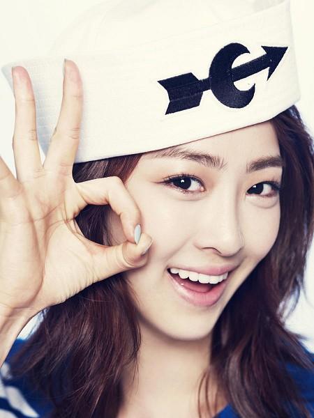 Tags: Sistar, Starship Entertainment, Dasom Kim, Simple Background, Loving U (Song), Light Background, White Background, Hat, Close Up