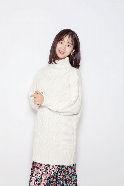 Tags: K-Pop, Berry Good, Daye, Sweater, Collar (Clothes), Grin, Floral Print, Medium Hair, Floral Skirt, Skirt, Turtleneck, Black Eyes