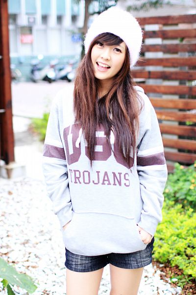 Tags: C-Pop, Popu Lady, Dayuan, Hat, Hand In Pocket, White Headwear, Shorts, Android/iPhone Wallpaper