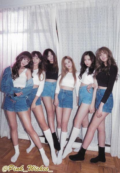 Tags: K-Pop, Apink, Kim Nam-joo, Oh Ha-young, Son Na-eun, Yoon Bo-mi, Park Cho-rong, Jung Eun-ji, Full Group, Denim Jacket, Blue Shorts, Bare Shoulders