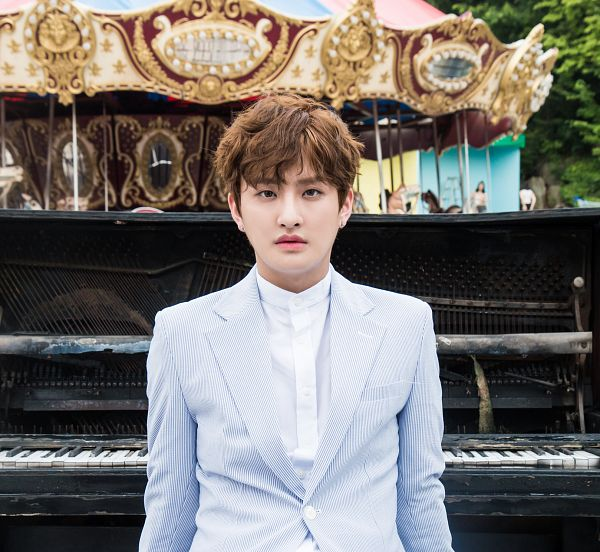 Tags: K-Pop, AxisB, Curious (Song), Doah, Amusement Park, Carousel, Musical Instrument, Piano
