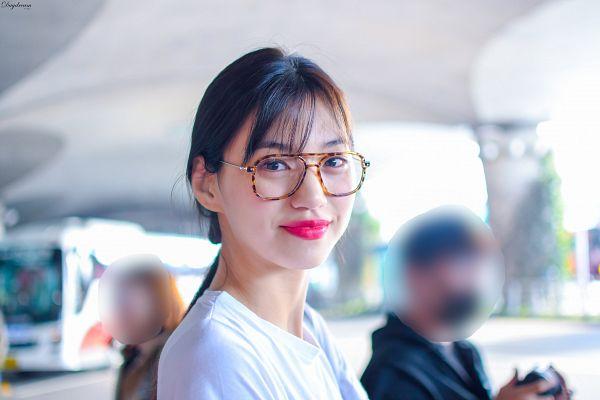 Tags: K-Pop, Weki Meki, Doyeon, Glasses