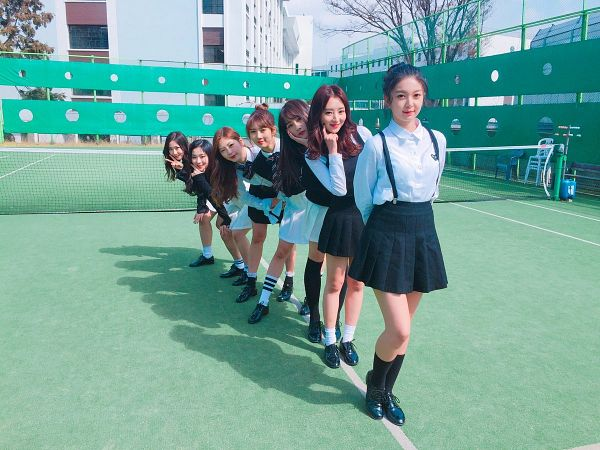 Tags: K-Pop, Dreamcatcher, Lee Siyeon, SuA, Jiu, Lee Gahyeon, Dami, Handong, Kim Yoohyeon