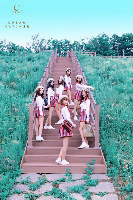 Tags: K-Pop, Dreamcatcher, Lee Gahyeon, Dami (Dreamcatcher), Handong, Kim Yoohyeon, Lee Siyeon, Sua, Jiu, Stairs, Full Group