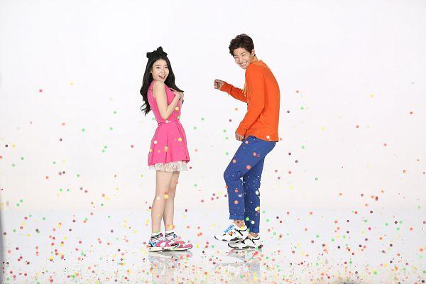 Tags: K-Pop, IU, Song Jae-rim, Orange Shirt, Pink Dress, Duo, Sbenu, Wallpaper