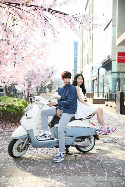 Tags: K-Pop, IU, Song Jae-rim, Duo, Motorcycle, White Outfit, White Dress, Android/iPhone Wallpaper, Sbenu