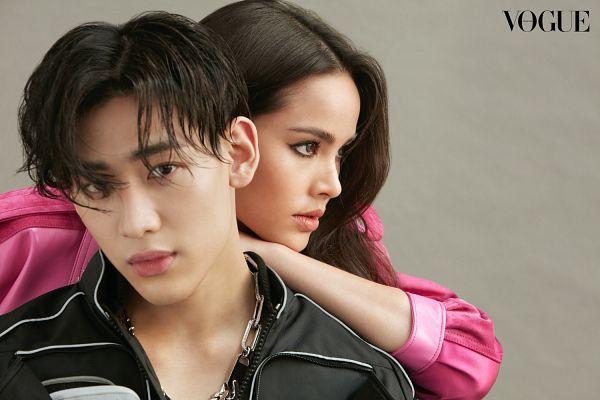 Tags: Lakorn, K-Pop, Got7, Yaya, BamBam, Necklace, Duo, Serious, Pink Shirt, Text: Magazine Name, Magazine Scan, Vogue Thailand