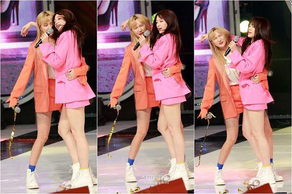 Tags: K-Pop, EXID, Le, Hani, Shorts, Arm Around Waist, Blue Legwear, Blonde Hair, Duo, Pink Shorts, Skirt, Hand On Head