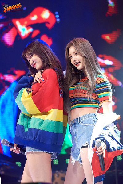Tags: K-Pop, EXID, Hani, Park Junghwa, Jeans, Short Sleeves, Denim Shorts, Striped Shirt, Blue Shorts, Striped Jacket, Midriff, Striped