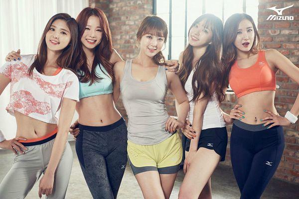 Tags: K-Pop, EXID, Park Junghwa, Le, Seo Hyerin, Hani, Heo Solji, Yellow Shorts, Bra, Arm Around Shoulder, Hand On Hip, Five Girls