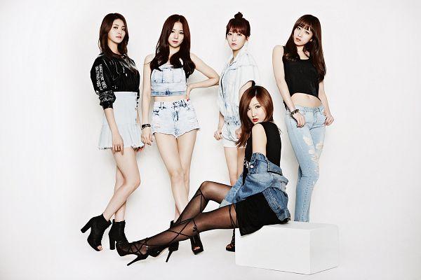 Tags: K-Pop, EXID, Le, Seo Hyerin, Hani, Heo Solji, Park Junghwa, Black Outfit, Full Group, Shorts, Hair Up, Black Footwear