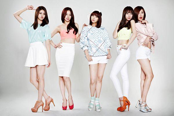 Tags: K-Pop, EXID, Hani, Heo Solji, Park Junghwa, Le, Seo Hyerin, Pink Shirt, Group, White Pants, Midriff, Gray Background