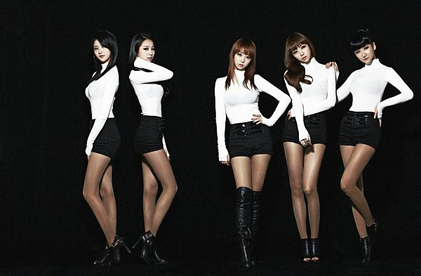 Tags: K-Pop, EXID, Heo Solji, Le, Park Junghwa, Hani, Seo Hyerin, Shorts, Black Footwear, Full Body, Black Background, High Heels