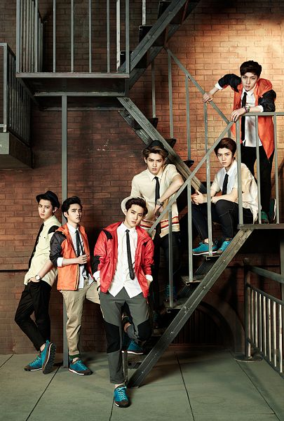 Tags: K-Pop, EXO, D.O, Chanyeol, Kris, Luhan, Lay, Suho, Stairs, Sneakers, White Headwear, Tie