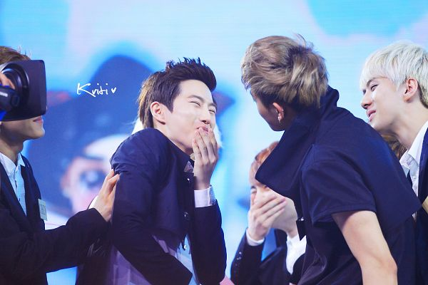 Tags: K-Pop, EXO, Huang Zi Tao, Sehun, Suho, D.O, Chen, Covering Mouth, Laughing, Looking At Another, Blue Background, Eyes Closed