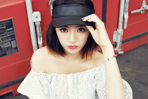Tags: K-Pop, Ladies Code, Kiss Kiss, EunB, Multi-colored Hair, Medium Hair, Bare Shoulders, Hat, Black Headwear, Hand On Hat