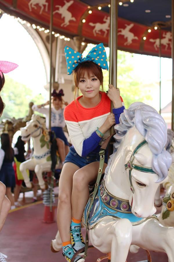 Tags: K-Pop, Ladies Code, EunB, Jeans, Bow, Striped Shirt, Denim Shorts, Striped, Hair Up, Hair Bow, Carousel, Shoes