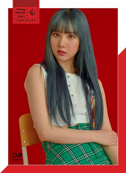 Tags: K-Pop, G-friend, Eunha, Sitting On Chair, Red Background, Chair, Plaided Print, Bent Knees, Serious, Blue Hair, Make Up, Sitting