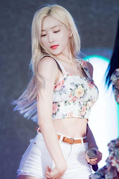 Tags: K-Pop, Cosmic Girls, Eunseo
