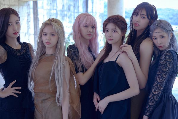 Tags: K-Pop, Everglow, Kim Sihyeon, Wang Yiren, Onda, Mia, Aisha, E:U, Sleeveless, Sleeveless Dress, Black Outfit, Hair Ornament