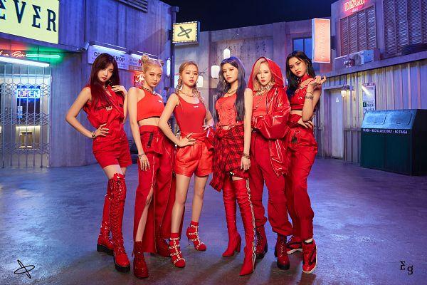 Tags: K-Pop, Everglow, Wang Yiren, Kim Sihyeon, Aisha, E:U, Onda, Mia, Group