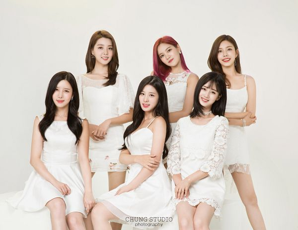 Tags: K-Pop, Berry Good, Seoyul, Johyun, Gowoon, Taeha, Kang Sehyung, Daye, Red Hair, Short Sleeves, Full Group, White Dress