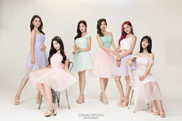 Tags: K-Pop, Berry Good, Daye, Johyun, Seoyul, Gowoon, Taeha, Kang Sehyung, Purple Outfit, Crown, Flower Crown, Red Hair